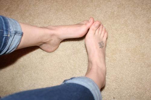 35pc_Rolled-up-jeans-touching-naked-big-toes_022418_RoseTFP3-0062